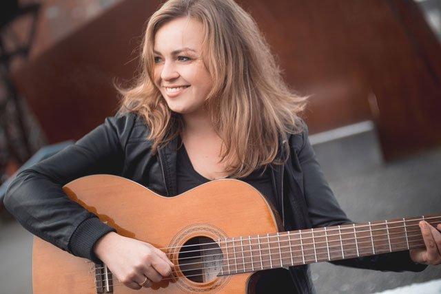 Fee Badenius - Halbwissen - Deutsch lernen mit Musik