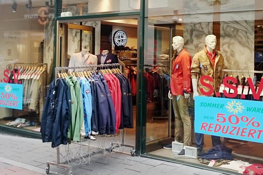 Thema Kleidung - Klamotten kaufen - Klamottenladen