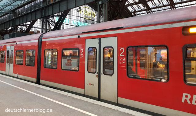 Bahnhof Köln - Zug - Regionalexpress